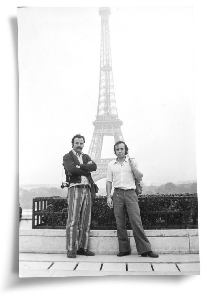 EXILADO - Com o irmão, Bernardo, em Paris (à direita). Foto: Arquivo pessoal