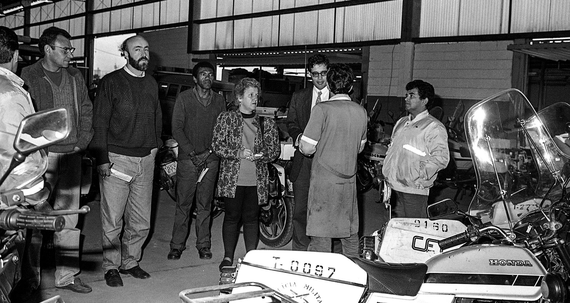 TRABALHO - Tereza participa de vistoria à CET, em 1995 - Foto: Acervo/CMSP