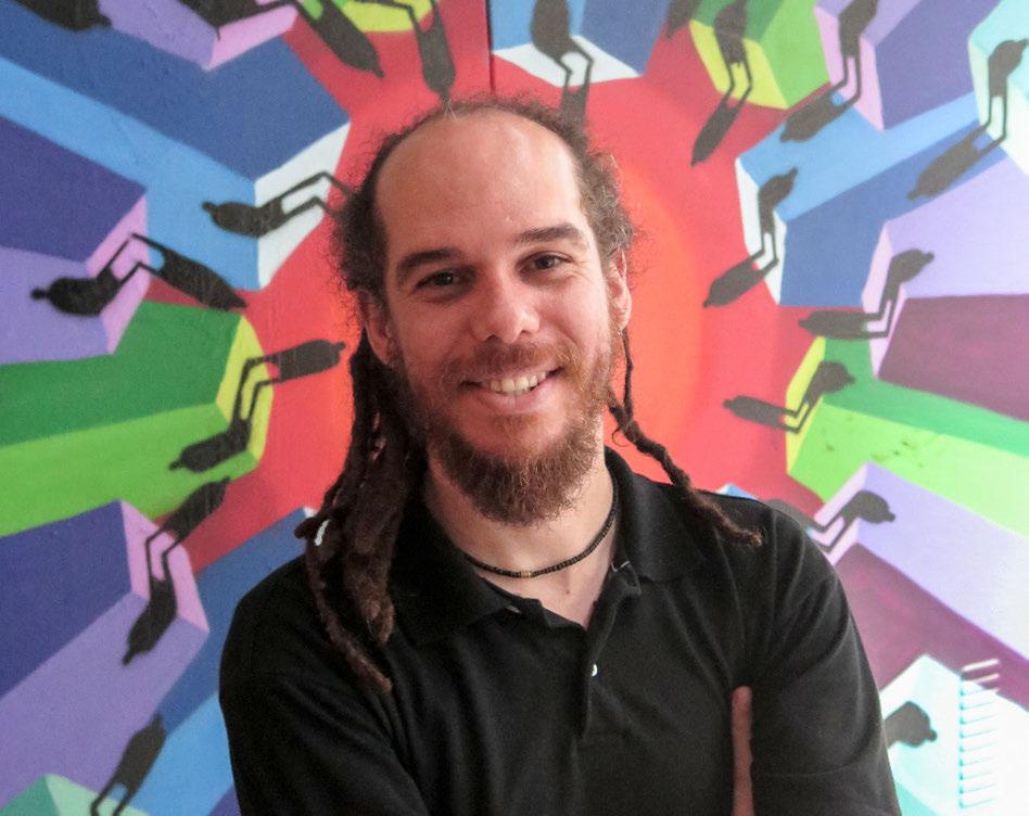 MUDANÇA - Para o educador Ruivo Lopes, leitura é ferramenta pra transformar realidades Foto: Ricardo Rocha/CMSP