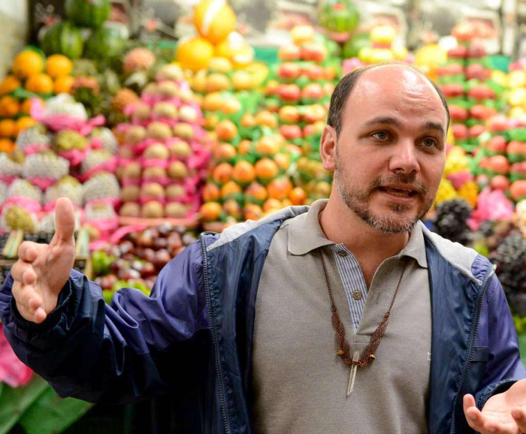 """""""De 7 a 12 organizações comandam o mercado mundial de alimentos e os veem apenas como mercadoria"""" Ricardo Rocha/CMSP"""