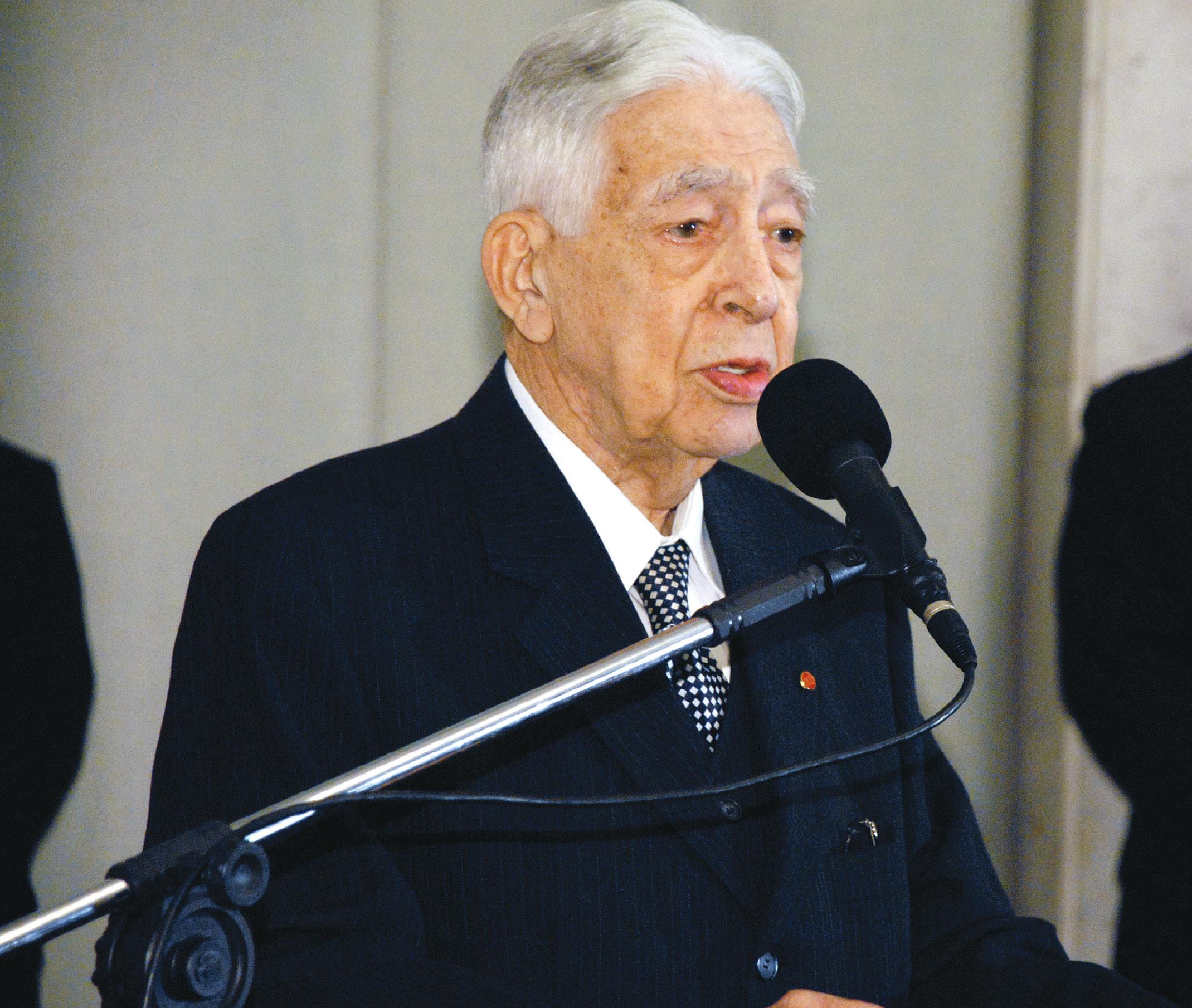 Homenageado pela CMSP em 2008, no Dia do Cerimonialista