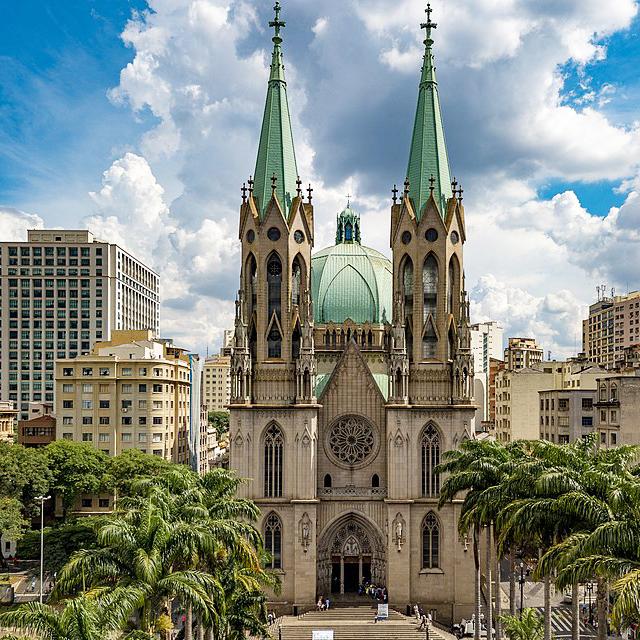 Dirigiu as obras da catedral, em 1941, responsável pela cúpula e pelas duas torres   Crédito: Divulgação
